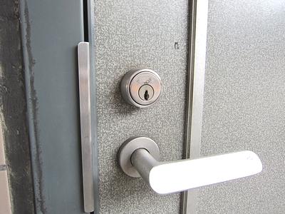 マンション玄関鍵交換