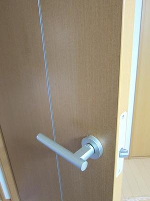 室内ドアを鍵付きに