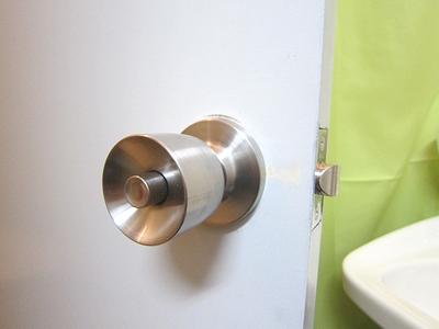 トイレ 円筒錠