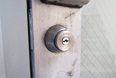 店舗の鍵 U9シリンダー