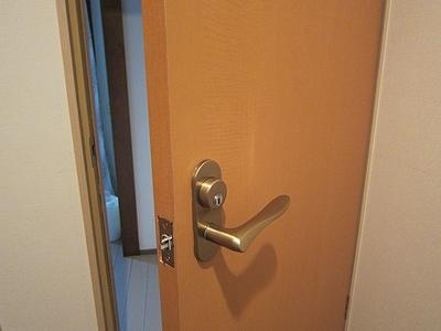 室内錠 鍵付きに交換