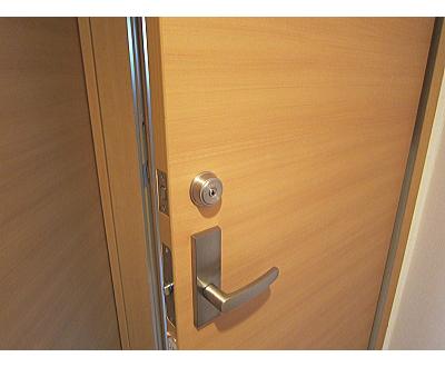 室内ドア 鍵取付